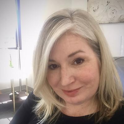Picture of Melissa Murren, therapist in California