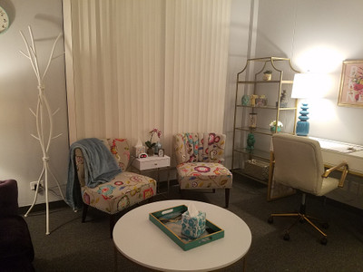 Therapy space picture #2 for Jiselle Roman, LCPC, therapist in Illinois