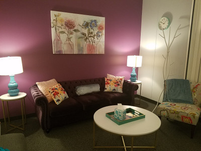 Therapy space picture #1 for Jiselle Roman, LCPC, therapist in Illinois
