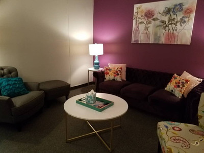 Therapy space picture #3 for Jiselle Roman, LCPC, therapist in Illinois