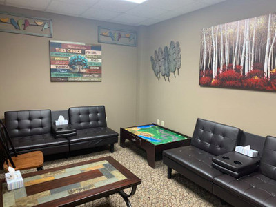 Therapy space picture #1 for Emily Crawford-Thompson, therapist in Arizona, Colorado, Delaware, Georgia, Illinois, Missouri, Nebraska, Nevada, New Hampshire, Oklahoma, Pennsylvania, Texas, Utah