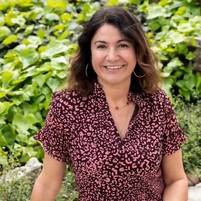 Picture of Rachel Harris, therapist in California