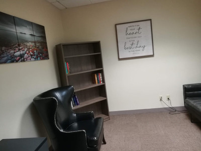 Therapy space picture #1 for Willie Velasquez, therapist in Ohio