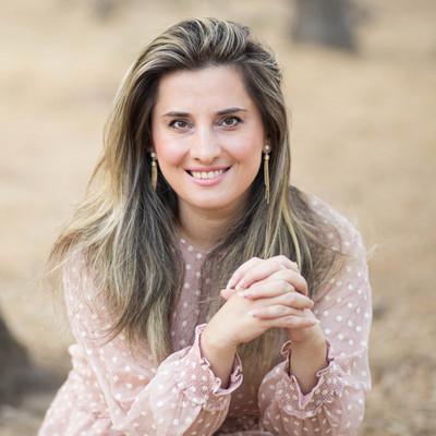 Picture of Madalina Coman, therapist in California