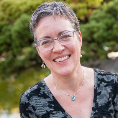 Picture of Laura Martin, therapist in Oregon