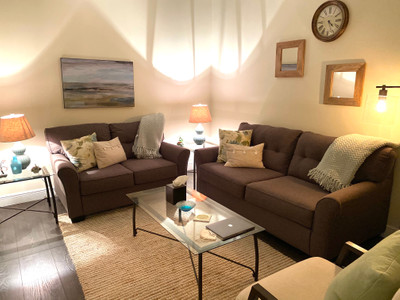 Therapy space picture #3 for Dr. Nicole Linardi, therapist in Florida, Massachusetts, New Jersey