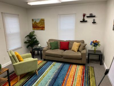 Therapy space picture #1 for Rosa Avant, therapist in Virginia