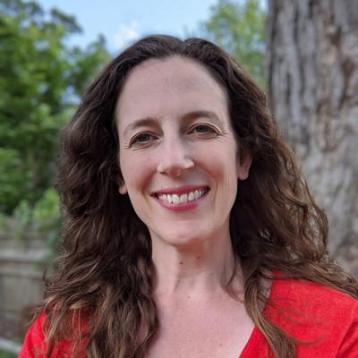 Picture of Jen Aakre, therapist in Maryland, Minnesota