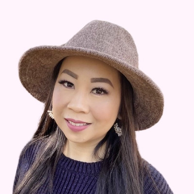 Picture of Elle Lee, therapist in California