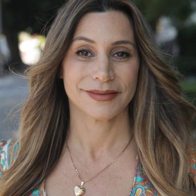 Picture of Raquel Molina-Ravenna, therapist in California