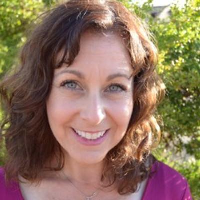 Picture of Elizabeth Karsh, therapist in California