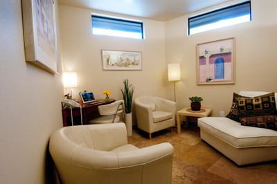 Therapy space picture #2 for Della S. Lusk, Ph.D., therapist in Alabama, Arizona, Colorado, Delaware, District Of Columbia, Georgia, Illinois, Kentucky, Missouri, Nebraska, Nevada, New Hampshire, North Carolina, Oklahoma, Pennsylvania, Texas, Utah, Virginia