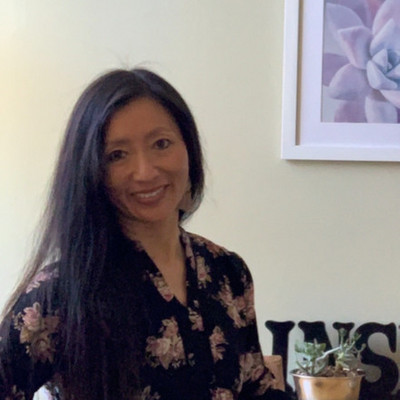 Picture of Lorin Tierney, therapist in California