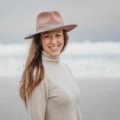 Picture of Laura Schwinn, therapist in California, Wisconsin
