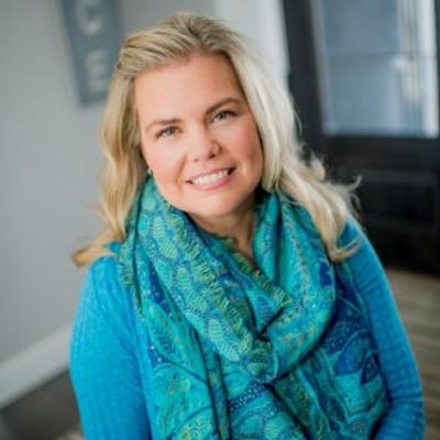 Picture of Nikki Arthur, therapist in Iowa, Minnesota