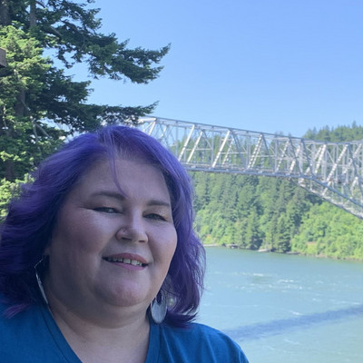 Picture of Angie Arledge, therapist in Oregon