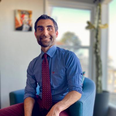 Picture of Max Littman, therapist in California