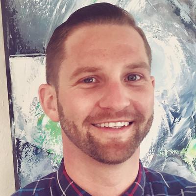 Picture of Eric van der Voort, therapist in California