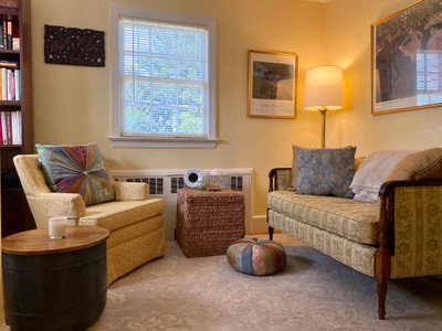 Therapy space picture #1 for Madeline Grove, therapist in Virginia