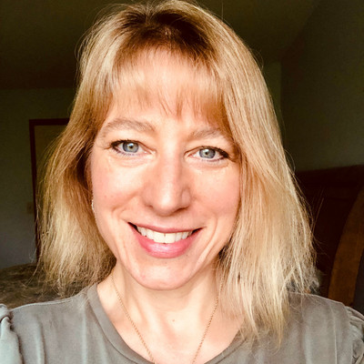 Picture of Amy Szaraz, therapist in Michigan