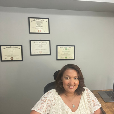 Picture of Denise Pertuz, therapist in Florida, New Jersey, South Carolina