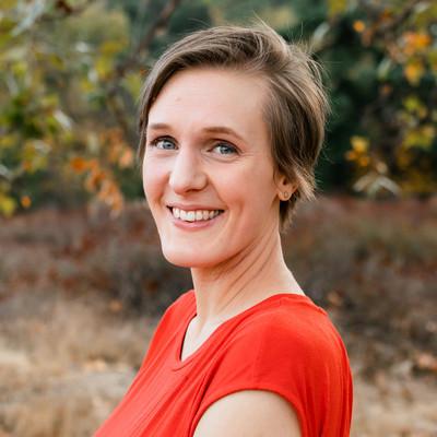 Picture of Rachel Engels, therapist in California