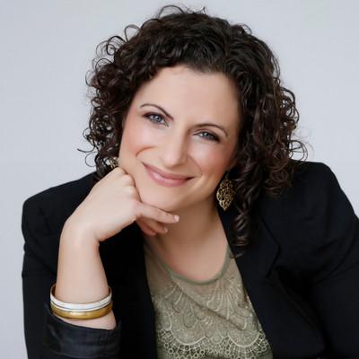 Picture of Daniela Perone, therapist in California, North Carolina